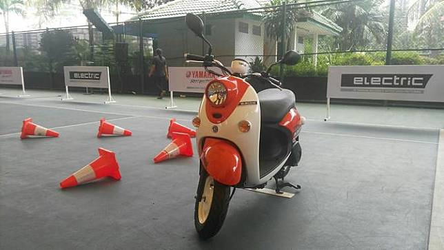 Motor listrik Yamaha bergaya retro modern seperti Yamaha Fino. (Arief/Liputan6.com)
