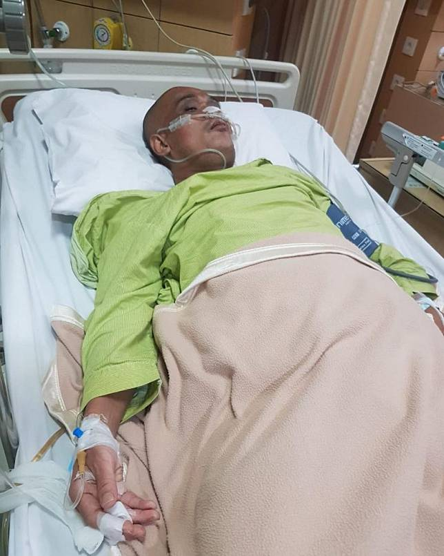 Sapri terbaring di rumah sakit. Foto: Instagram
