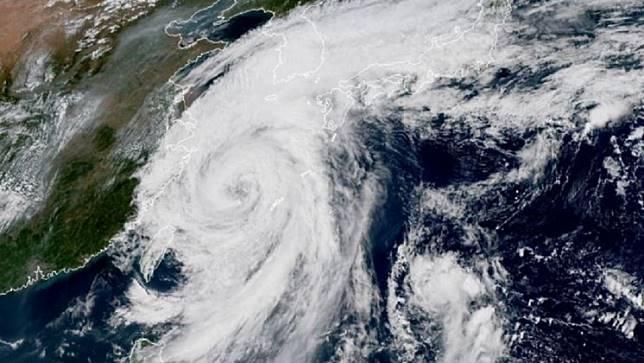 圖/翻攝自 Met Office Storms 推特