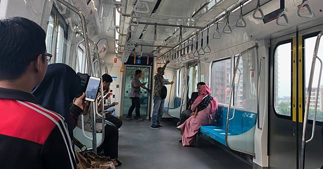 President Jokowi to inaugurate Jakarta MRT on March 24, rides to be free until March 31
