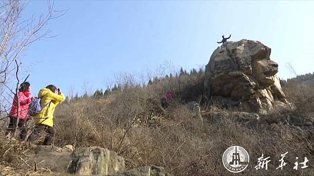 ฮือฮา! จีนพบหินคล้าย 'มหาสฟิงซ์' คาดเก่าแก่กว่า 2 พันล้านปี