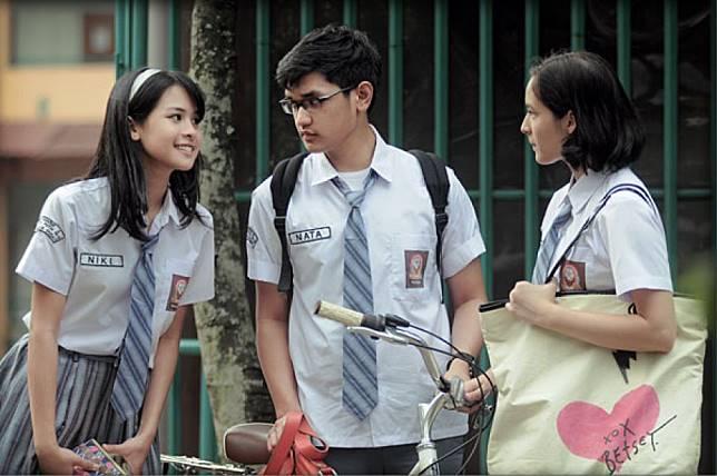 16 Quotes Perpisahan Sekolah Dari Novel Indonesia Yang Bisa