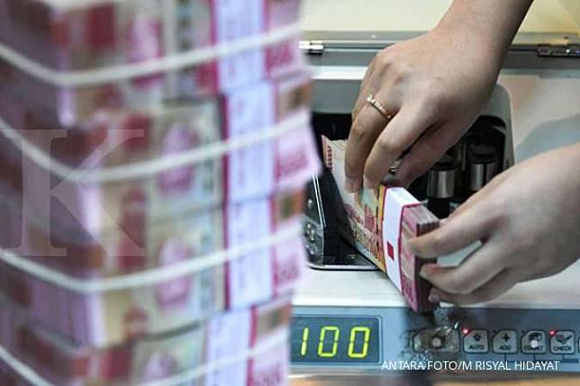 Rupiah Di Kurs Tengah Bi Hari Ini Melemah Ke Rp 13 981 Per Dolar As Kontan Co Id Line Today