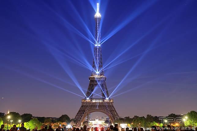 130歲的艾菲爾鐵塔