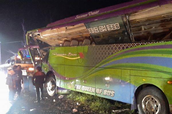 Bus kecelakaan di Subang.