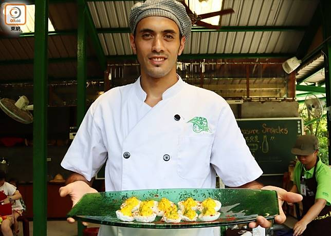 「可食風景」有來自瑞士的仔廚師,為我們以鮮採鮮摘食材,製作美味的綠色美食。(劉達衡攝)