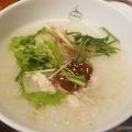 蒸し鶏粥 - 実際訪問したユーザーが直接撮影して投稿した西新宿中華料理粥餐庁 新宿京王モール店の写真のメニュー情報