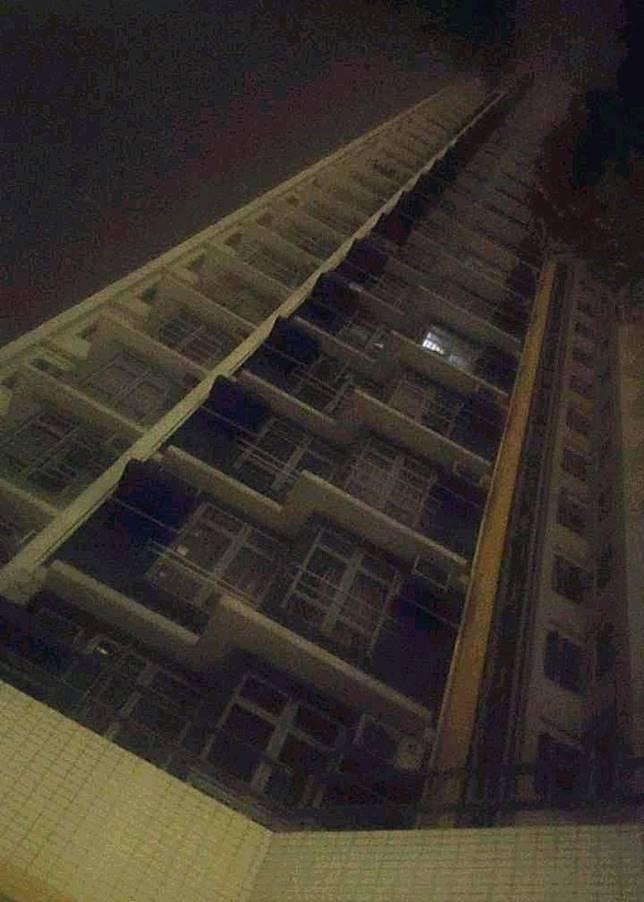 本港多處供電因雷暴受到影響,部分地點電力供應有待恢復。(讀者提供)