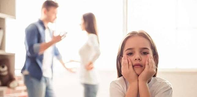Dampak-perceraian-terhadap-psikologis-anak-lead.jpg