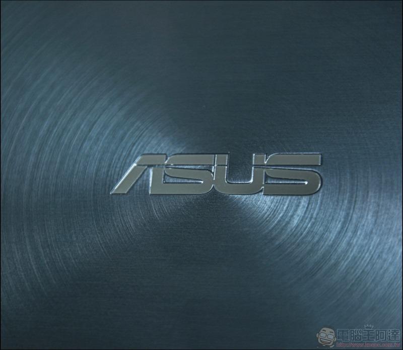 ASUS ZenBook Duo UX481 開箱 - 06