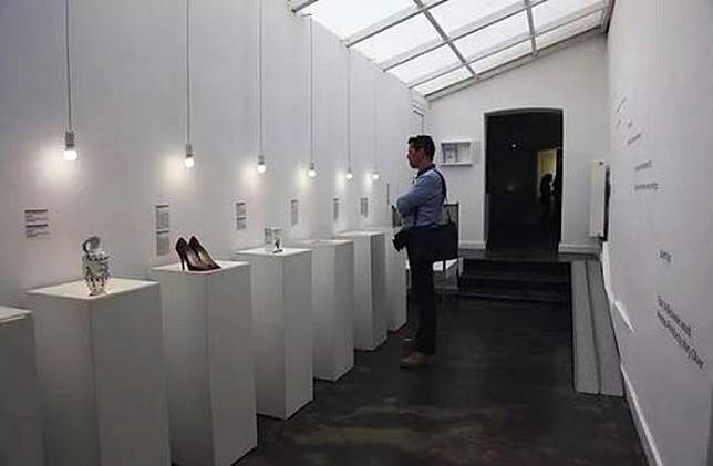 在這座「失戀博物展」內,你會發現不少來自網友的「愛情遺物」。(互聯網)