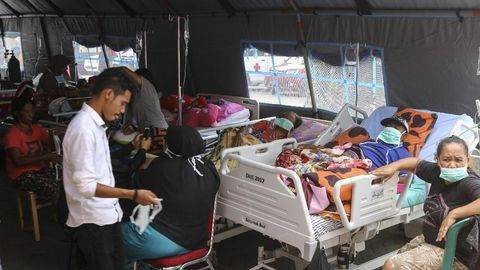 Enam Gempa Guncang Ambon, Dua Warga Tertimpa Puing