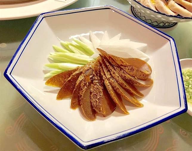 阿舍菜「炭烤烏魚子」。