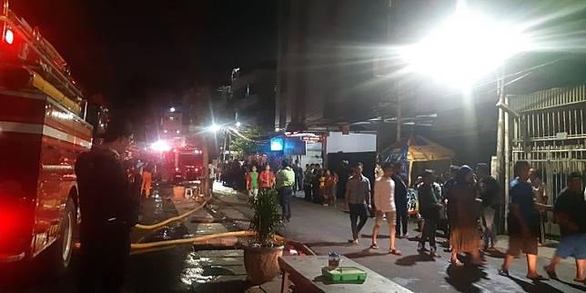 Kebakaran Mal Lokasari Square Jadi Tontonan Warga Sekitar Kompas Com Line Today