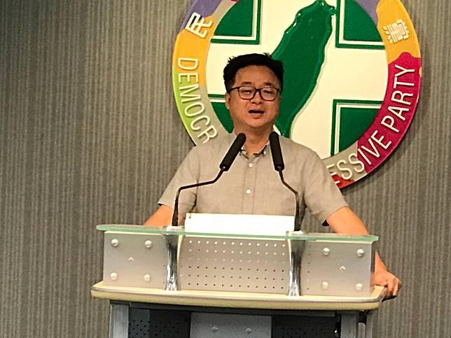針對國民黨總初選由高雄市長韓國瑜出線一事,民進黨秘書長羅文嘉15日表示,韓國瑜沒有信念,如果4年讓他胡搞亂搞,會把國家搞得無可想像。(圖/記者林人芳攝,2019,07,15)