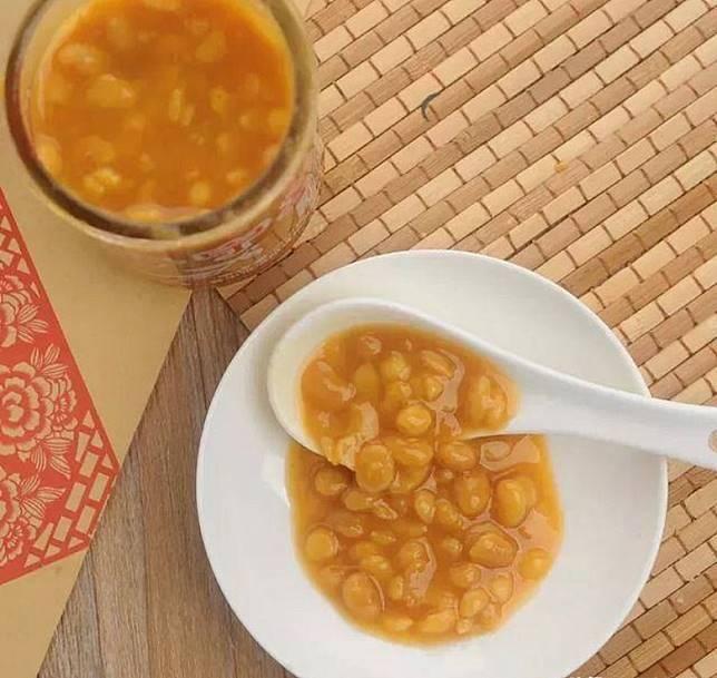 被潮汕人譽為萬能醬料的普寧豆醬,不但可做蘸料,同時亦適合炒、燜、焗、燴、蒸等烹法。(互聯網)