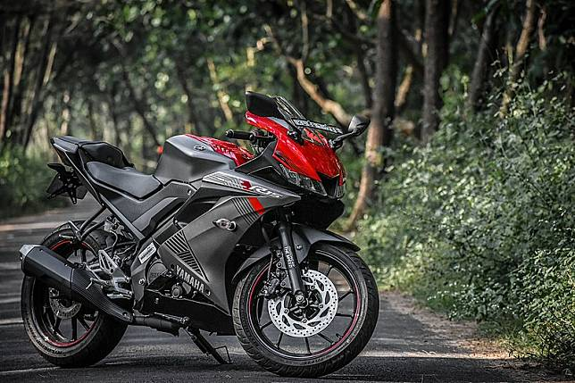 Yamaha R15 / Wikipedia