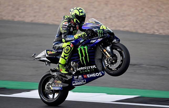 Menempati posisi kedua kualifikasi MotoGP Inggris Valentino Rossi mengaku motornya lebih baik di paruh musim kedua