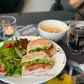 ハムとチーズのサンドウィッチ - 実際訪問したユーザーが直接撮影して投稿した南青山カフェNicolai Bergmann NOMUの写真のメニュー情報