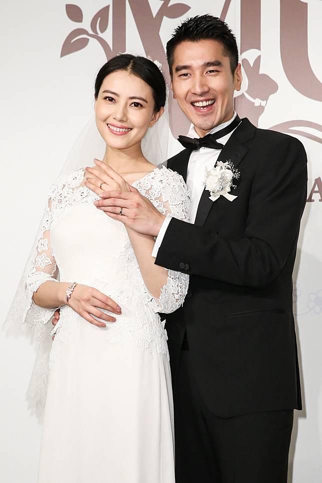 高圓圓與趙又廷結婚四年多,終於有喜了。
