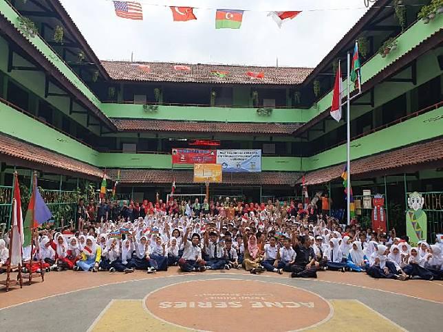 Literacy Program at SMPN 153 Jakarta