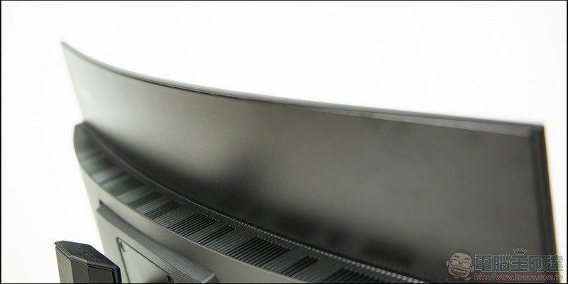 GIGABYTE G32QC 曲面電競螢幕開箱 - 18