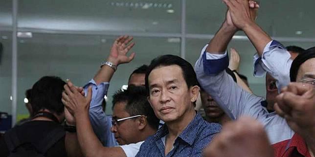 Vonis 20 tahun penjara terhadap Jessica Kumala Wongso dirasa ringan bagi Edi Darmawan Salihin, ayah dari Wayan Mirna Salihin. (via: Bintang.com/Nurwahyunan)