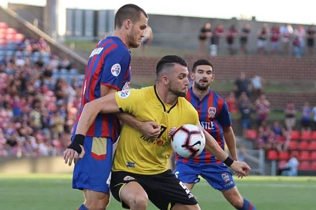 Newcastle Jets Vs Persija – Suporter Tuan Rumah Teror Marko Simic Sepanjang Laga