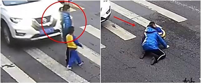 Detik-detik ibu-ibu tertabrak mobil, reaksi anaknya bikin salut