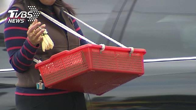 路上常會看到有人賣玉蘭花。(示意圖/TVBS)