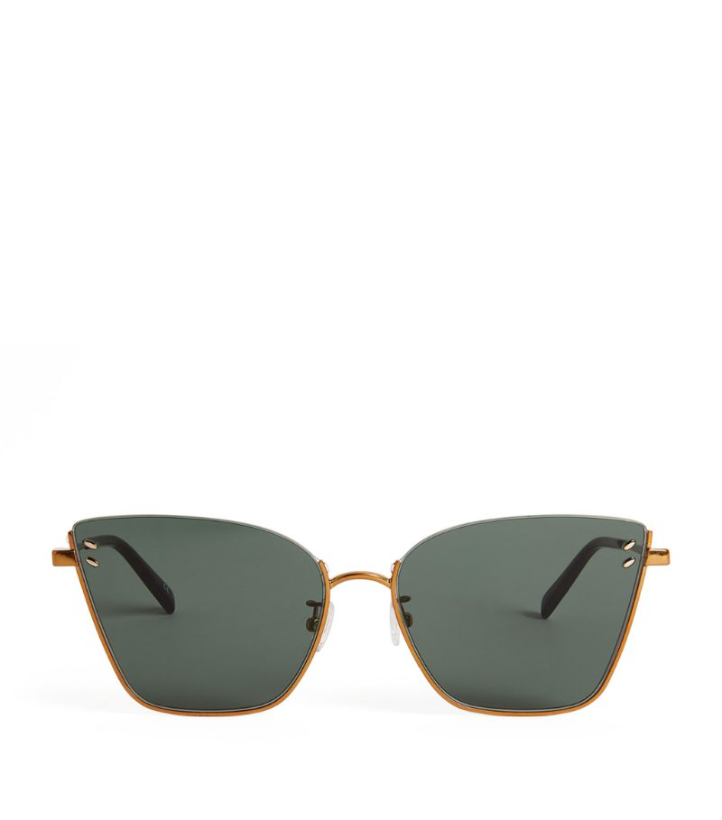 These endlessly versatile gold-tone sunglasses put a Stella McCartney spin on the contemporary cat e