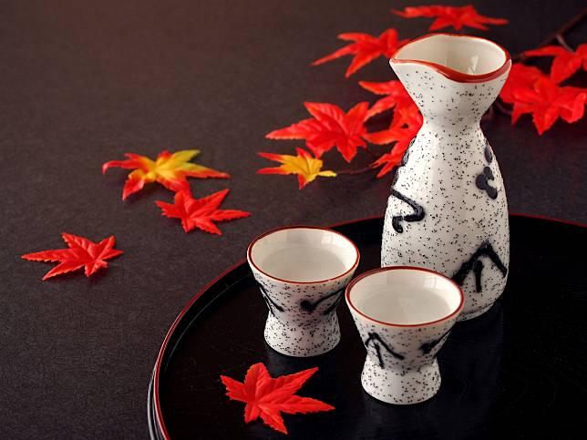 รู้หรือไม่?? รสชาติของเหล้าญี่ปุ่นเปลี่ยนไปตามภาชนะที่ใส่