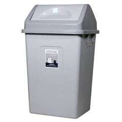 ◎高級塑膠原料,堅固軔性高|◎輕推蓋子即可丟入|◎加蓋防臭,耐用尺寸:長度270×寬度320×高度520mm±2%容量:30L種類:單桶垃圾桶垃圾蓋:搖擺蓋形狀:特殊造型材質:塑膠材質說明:PP顏色: