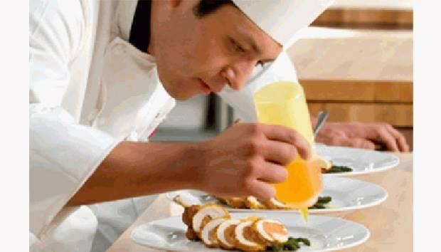 Ilustrasi koki sedang masak. careerrelay.com