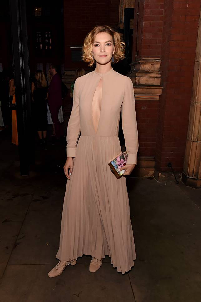 Supermodel Arizona Muse turns heads at the Dior and V&A museum summer party