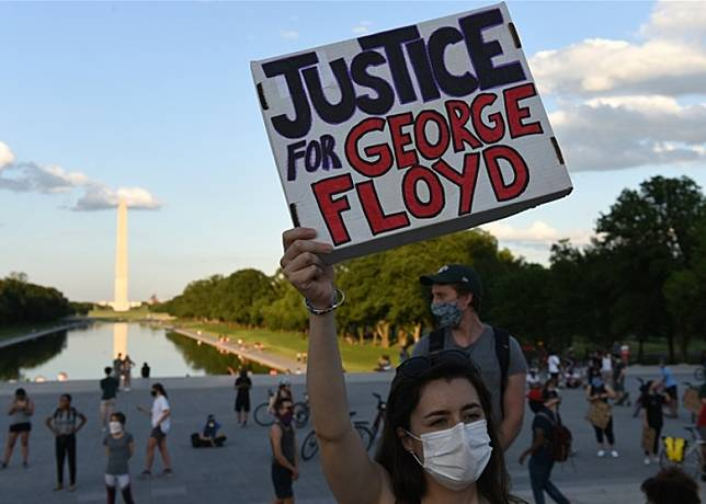 美國多地爆發反警暴示威及騷亂。(中新社圖片)