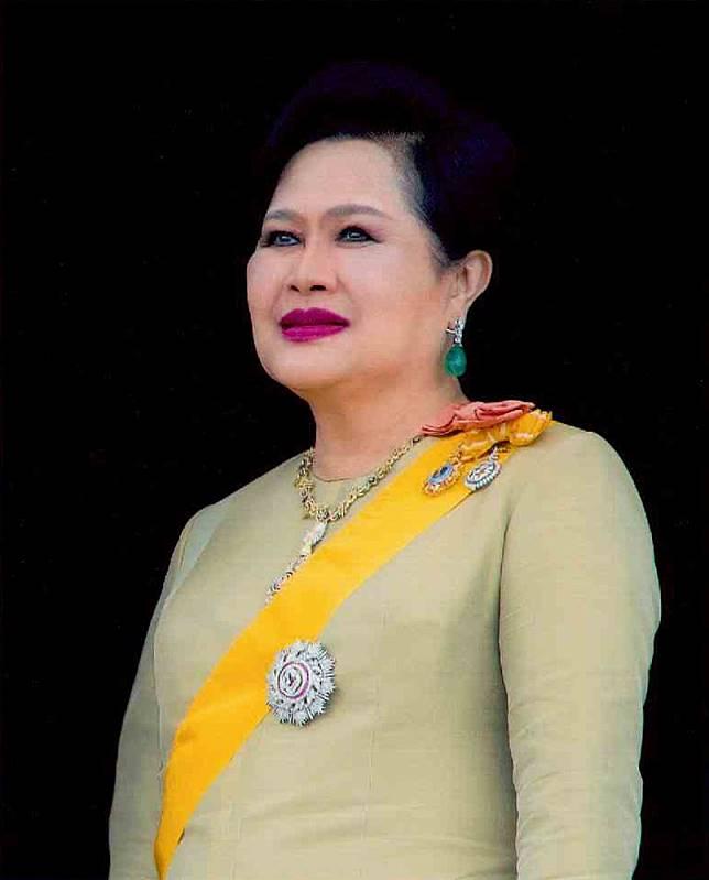 แถลงการณ์สำนักพระราชวัง เรื่องสมเด็จพระนางเจ้าสิริกิติ์ พระบรมราชินีนาถ พระบรมราชชนนีพันปีหลวง เสด็จฯ ไปประทับ ณ โรงพยาบาลจุฬาลงกรณ์ สภากาชาดไทย