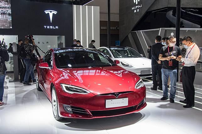 Diskon Tesla Model S Menjurus Pada Seks Dan Ganja Kok Bisa Telset Line Today