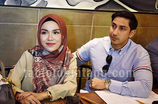 Medina Zein dan Suami Geram Disebut Tak Bersyukur kepada Irwansyah