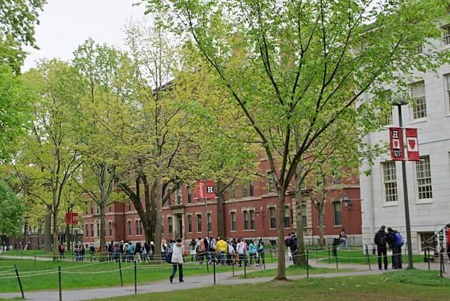 Musim gugur mendatang akan menjadi sesuatu yang berbeda bagi mahasiswa Harvard  (Foto: universitas harvard)