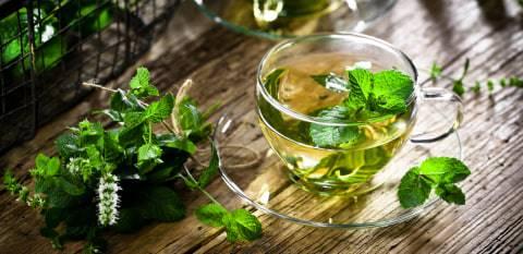 5 Teh Herbal untuk Redakan Sakit Tenggorokan