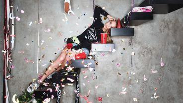 女模助陣 / ZIQ & YONI x VANS 攜手推出 2015 年月曆