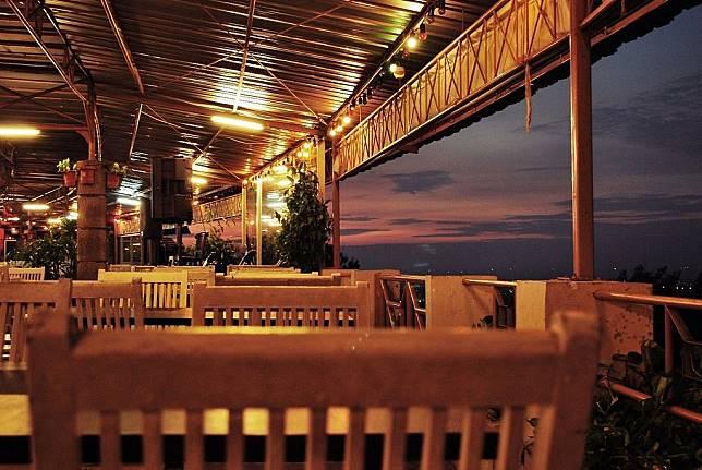 11 Kafe Kece Di Semarang Ini Punya Pemandangan Yang