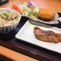選べる二種盛り定食 - 実際訪問したユーザーが直接撮影して投稿した西新宿定食屋大かまど飯 寅福 ルミネ新宿店の写真のメニュー情報