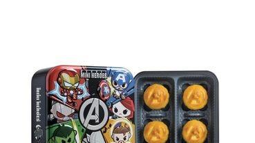 外觀是復仇者聯盟A字徽章!香港美心月餅推出「漫威超級英雄中秋禮盒」Q版漫威英雄太可愛