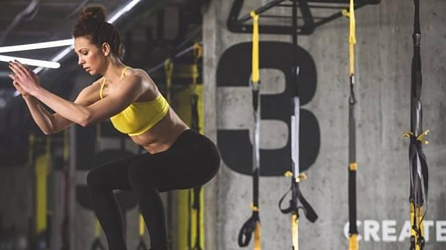 Ilustrasi perempuan fitnes [shutterstock]