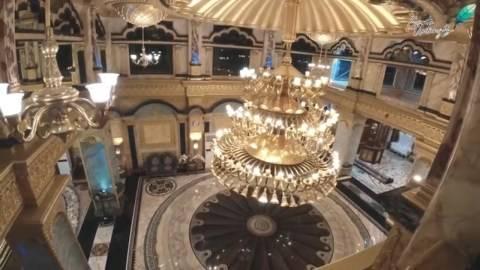 Rumah Hasim Hadodo dilengkapi dengan hiasan mewah. Foto : youtube/ceritauntungs