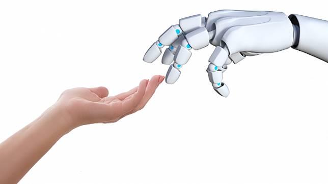 นักวิจัยพัฒนาหุ่นยนต์ผู้ช่วยใส่เสื้อผ้าอย่างนุ่มนวล สำหรับผู้ที่ช่วยเหลือตนเองไม่ได้