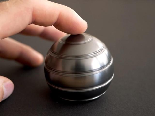 5c7cb52768cc 球体のらせんに心もおどる? ユニークな卓上キネティックトイ (bouncy) - LINEアカウントメディア