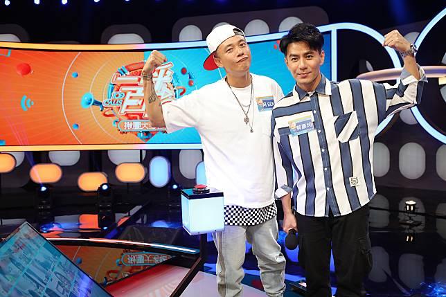 ▲阿BEN、郭彥均組成「超節省老爸隊」。(圖/公視提供)